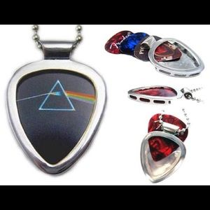 Pickbay guitar pick necklace + Pink Floyd pick